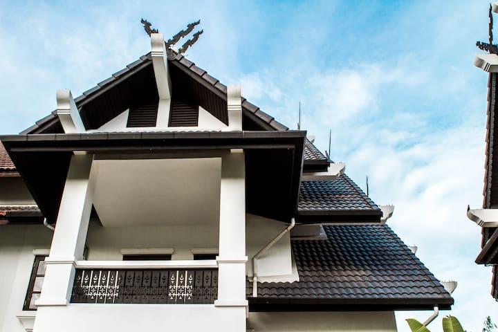 Beautiful  Northern Lanna House - Hang Dong - House