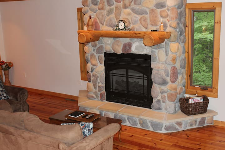Gas fireplace so nice, took a picture of it twice