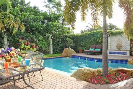 GREAT POOL HOME BY OCEAN - West Palm Beach - Hus