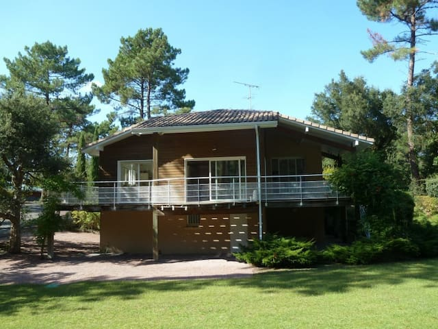 LA VILLA SEIGNOSSE, 250m2 house for 10 in Landes - Seignosse - Dom