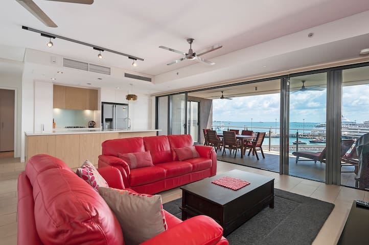 Urban Turtle - 2br Darwin Waterfront Apartment