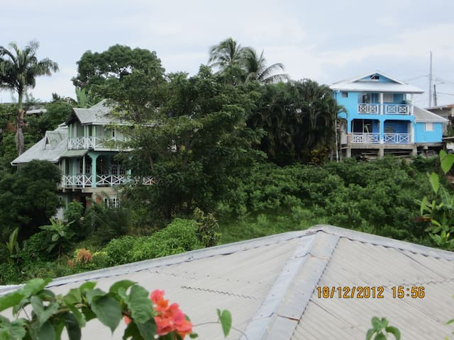 HOLIDAYRENTAL ONE LOVE COTTAGE TOBAGO upstairs apt - Mary's Hill - Apartment
