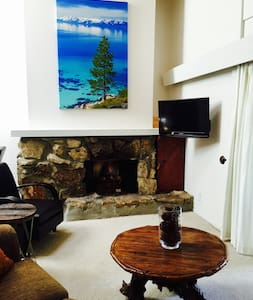 3BR/2BA Tahoe City/Dollar Point condo walking distance to downtown Tahoe City's restaurants & shops, Lake Tahoe Beach at Skylandia Park, and 10-15 minute drive to world class skiing Squaw/Alpine & North Star resorts.  Large, spacious, and updated condo perfect for your next stay at Lake Tahoe!