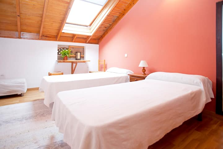Charming Bedroom on GASPATX B&b