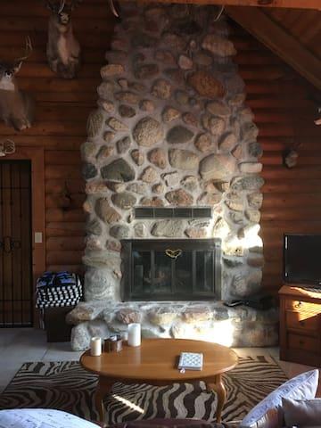 Mccormick Manor Hunting Lodge