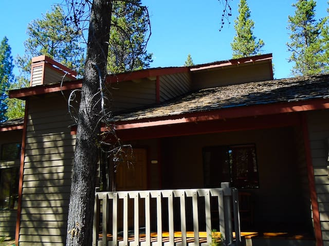 Two story house in Sunriver - Sunriver - Hus