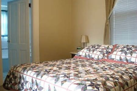 Wasco House Bed & Breakfast $90 - Wasco - Bed & Breakfast