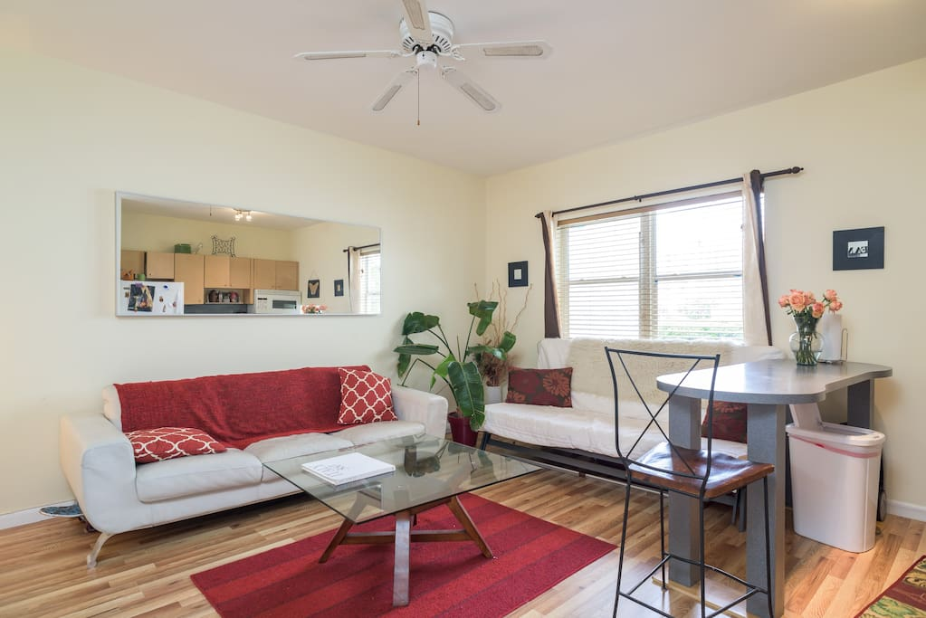 Nice Size Room With King Size Bed Apartments For Rent In Miami Beach Florida United States