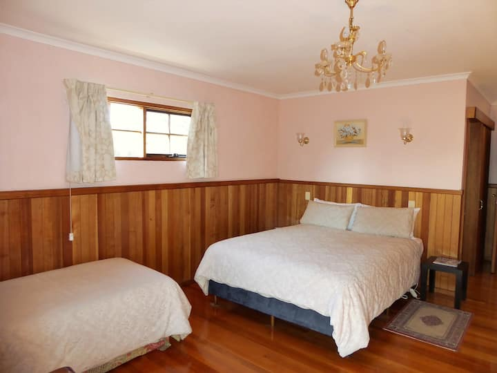 Platypus Park Country Retreat -  Ensuite room