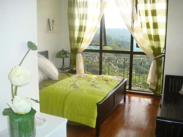 With Taal Volcano Panoramic View - Laurel - Apartament