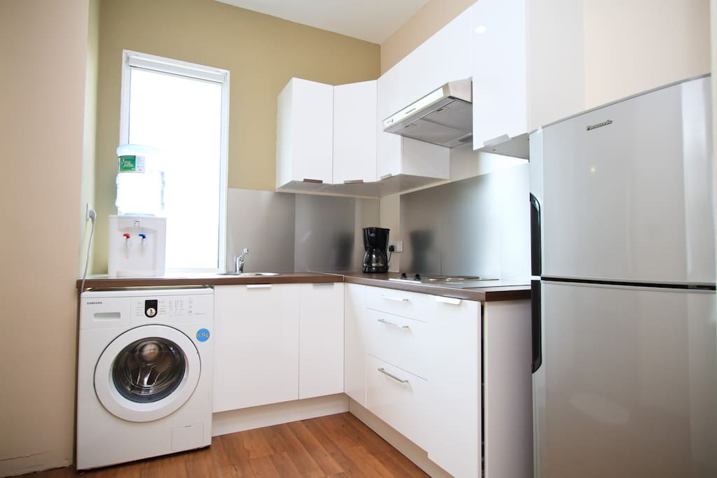 Studio MB 2 & MB5. All studios have such pantries with hob & washing machine.