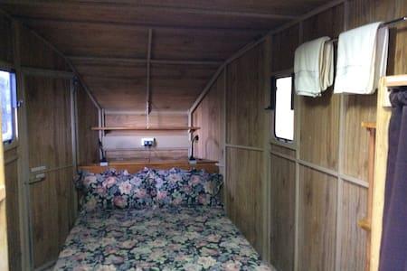 Barneymobile hideaway - Clunes - Casa de campo