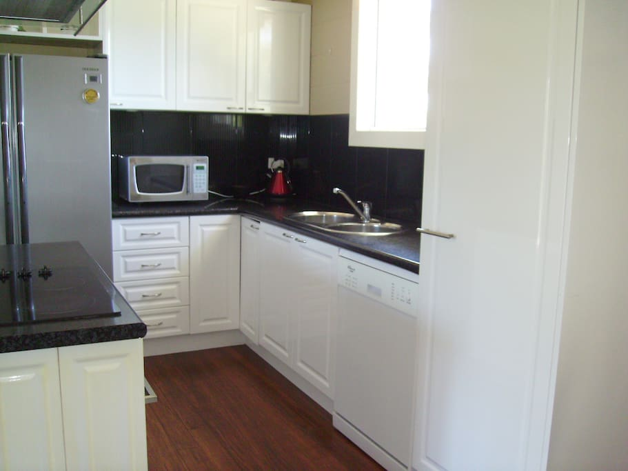 well equipped kitchen incl dishwasher