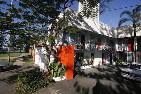 Burleigh Break Short Stay Accommodation
