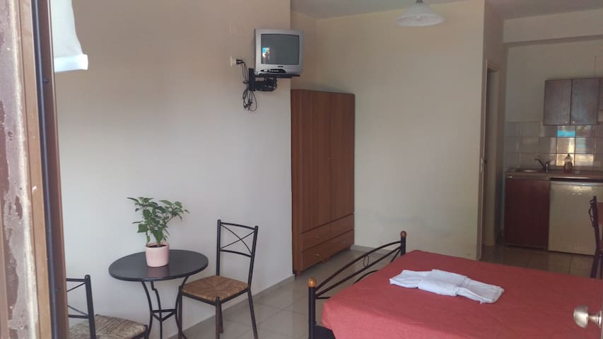 Nice studio 650m from the beach - Chania - Apartament