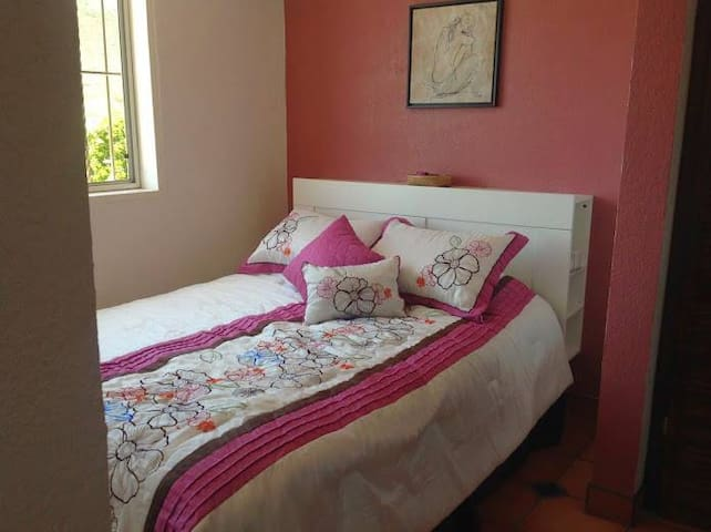 queen size clean and comfortable bed