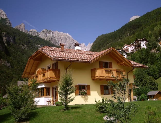 Sunny apartments on Lake Molveno - Molveno - Apartamento