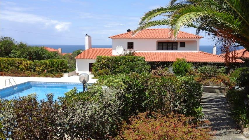 Alto da Praia Villa - B&B | Room n.1 - Colares - Bed & Breakfast