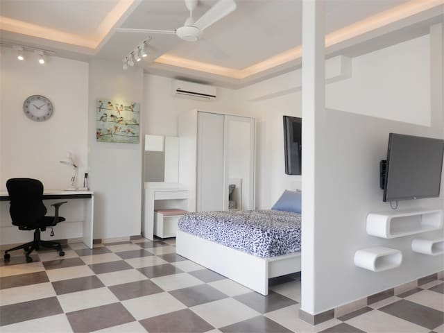 SRI701- Spacious studio in town - Chiang Mai, Thailand - Condominium