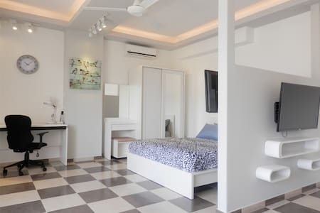 SRI701- Spacious studio in town - Chiang Mai, Thailand