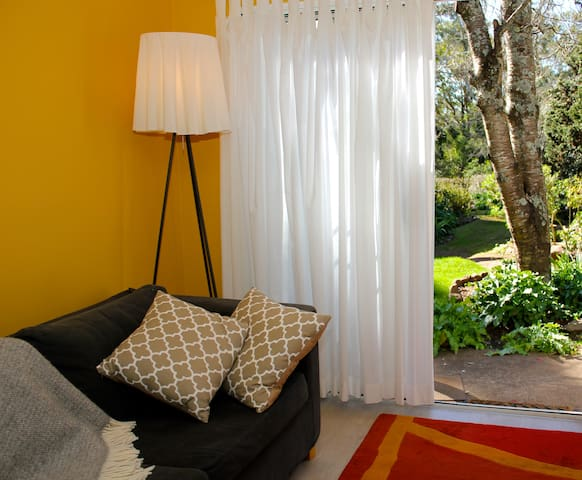 woodland retreat - guest studio - Bowral - Bed & Breakfast