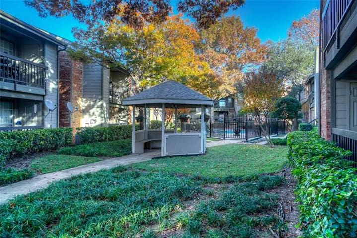 ★ Exclusive Furnished Private Condo! ★North Dallas