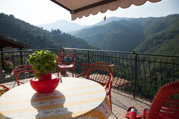 Casa Lena mit wunderbarer Aussicht. - Apricale - Apartment
