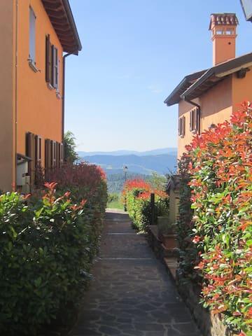 A 22km da Bologna panoramico luminoso accogliente - sasso marconi - Lägenhet