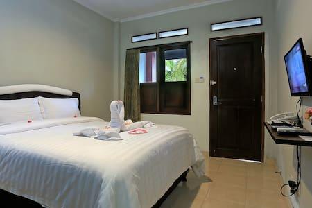 Premium Room @ Jazz Senggigi Hotel - 馬塔蘭(Mataram) - 家庭式旅館