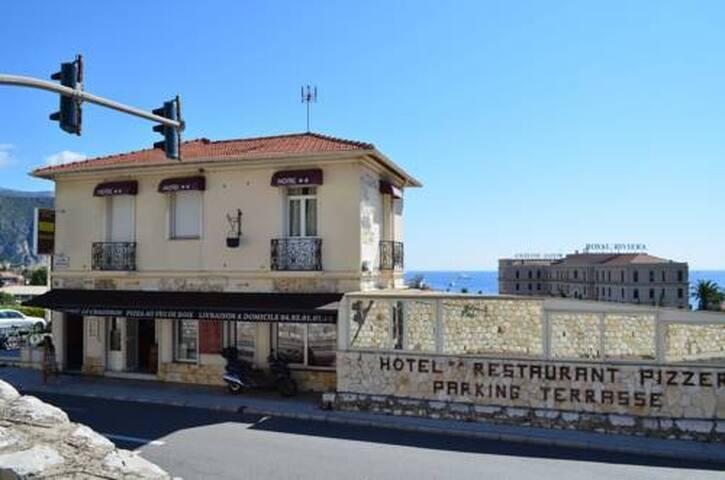 Double standart room - mountain view - Beaulieu-sur-Mer - Casa