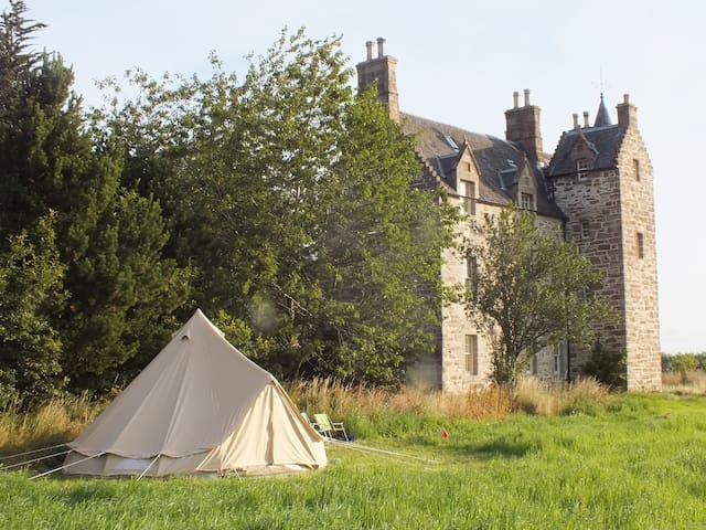 Belltent Glamping at Illieston Castle, nr Airport - Broxburn - Σκηνή