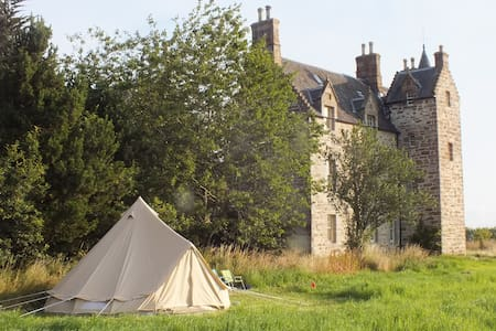 Belltent Glamping at Illieston Castle, nr Airport - Broxburn