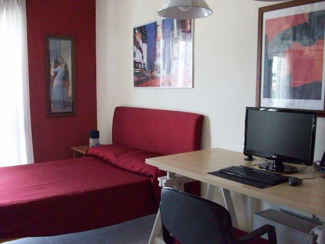 2 camere private  adatto per famiglia con figli - Caserta - Bed & Breakfast