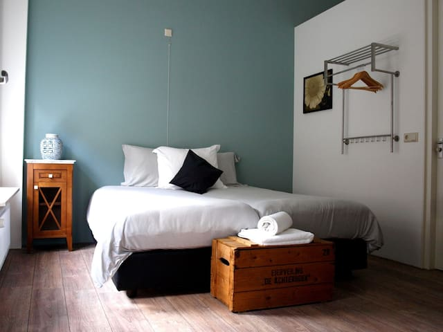 Luxury Blue room: 't Shanda Lee B&B - Lochem - Pousada