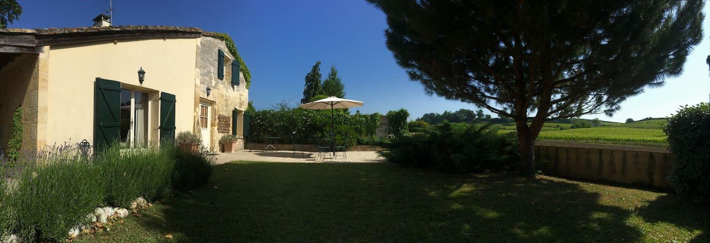 La petite maison des vignes - Saint-Émilion - Talo