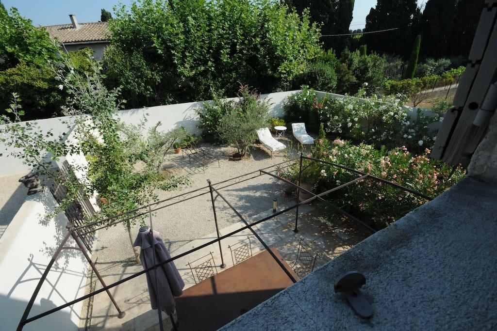 Appartement de 85 m2 avec jardin appartements louer for Entretien jardin st remy de provence