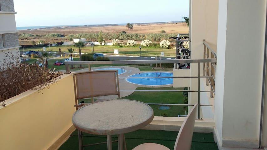 Bel appartement bord de mer piscines - Bouznika - Daire