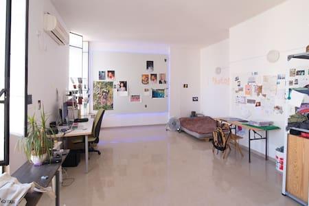 Arty loft space in South Tel-Aviv - Tel Aviv-Yafo