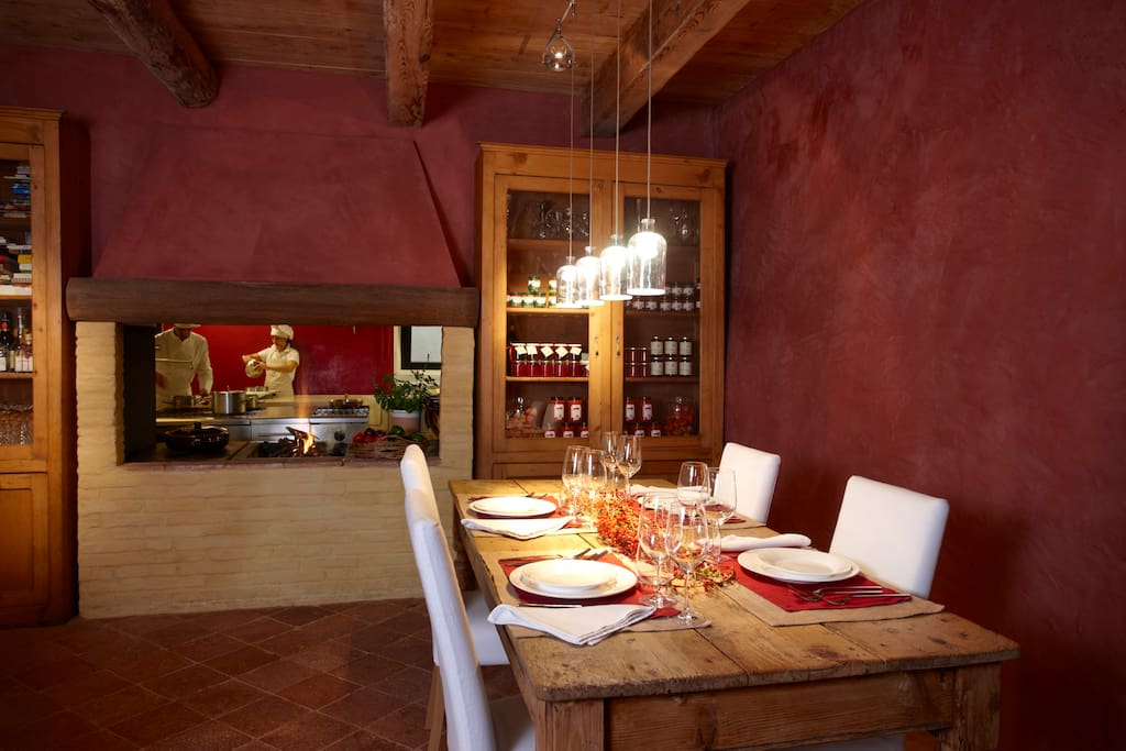 Il ristorante, Luca Moro makes a fresh dinner for the guests