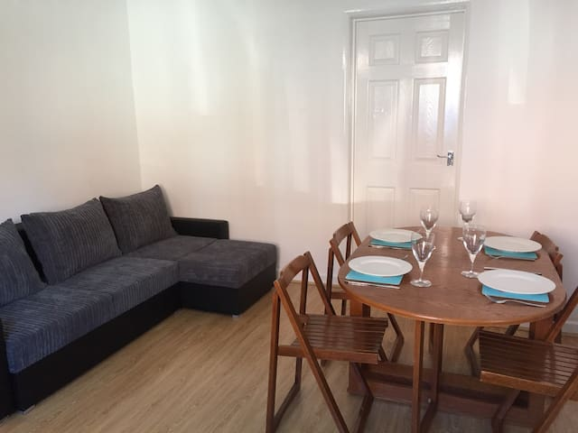 Cosy ground floor flat - 20 mins walk from beach - Bournemouth - Appartement