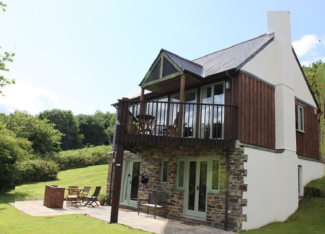 Detached lodge in Saint Mellion