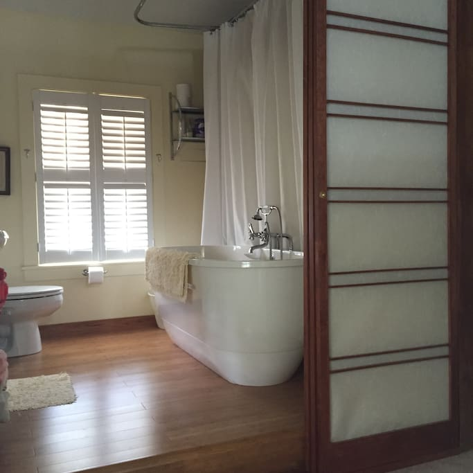 Tranquil Japanese-bathroom. Shoji Screen sliding doors.