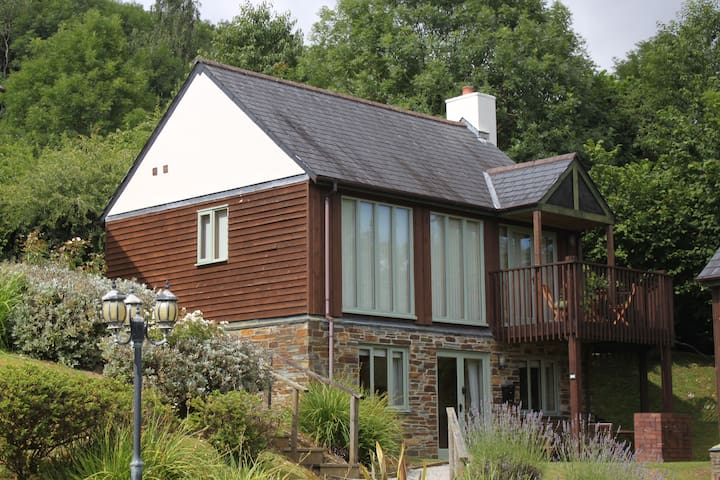 Two bed lodge in St Mellion - Saint Mellion - Hus