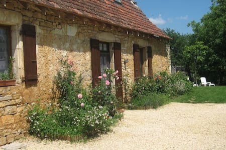 Old cottage house close to Sarlat, kid-friendly - Saint-Martial-de-Nabirat