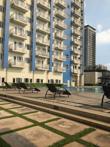 1 Bedroom at Sun Residences with Mall, Bank &Resto - Manila - Apartament