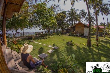 Krui Mutun Walur Surf Camp Sumatra - Sommerhus/hytte