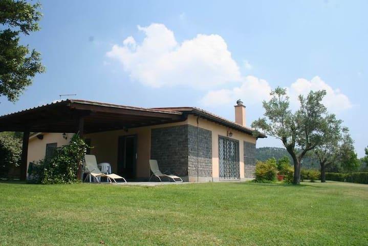 Beautiful Villa on Lake Bracciano - Trevignano Romano - Huis