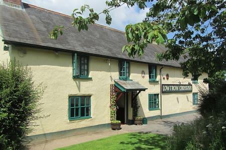 Traditional Exmoor Inn Wiveliscombe - Upton
