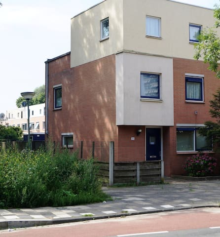 Spacious house for long term let - Dordrecht - Ház