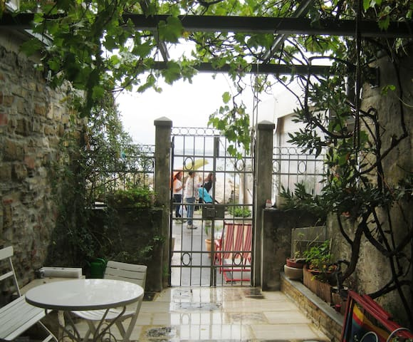 Appartment with garden near the sea - Piran